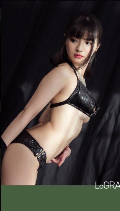 片岡沙耶 (23)自分で作ったという黒ビキニが下乳もはみ出してて少し大人っぽい感じでGカップがけしからん★★《エロ画像》