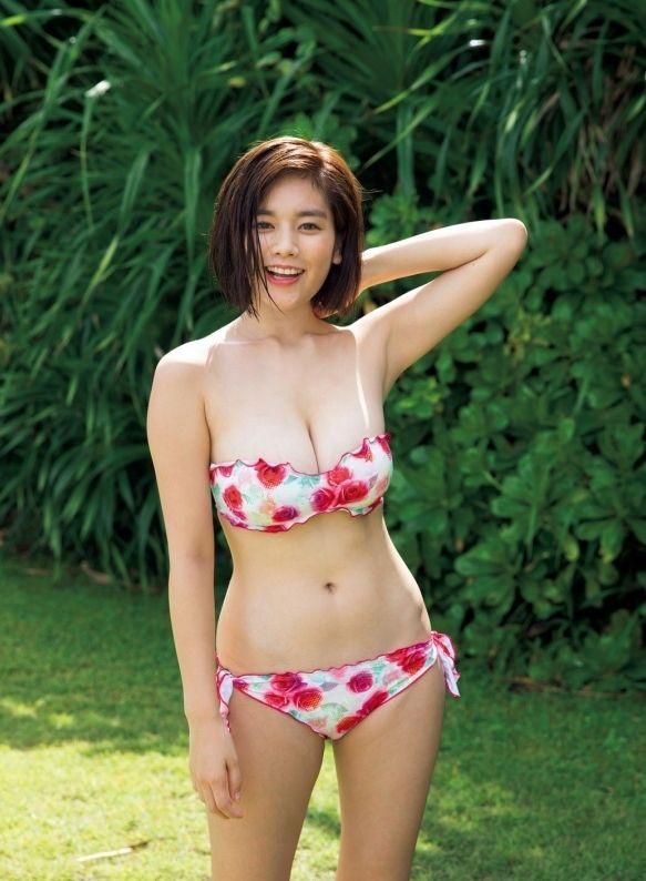 筧美和子(22)最新グラビアも巨乳っぷりが衰えず!みーこ孕まして母乳飲みたいファン続出!!!!!!《エロ画像》