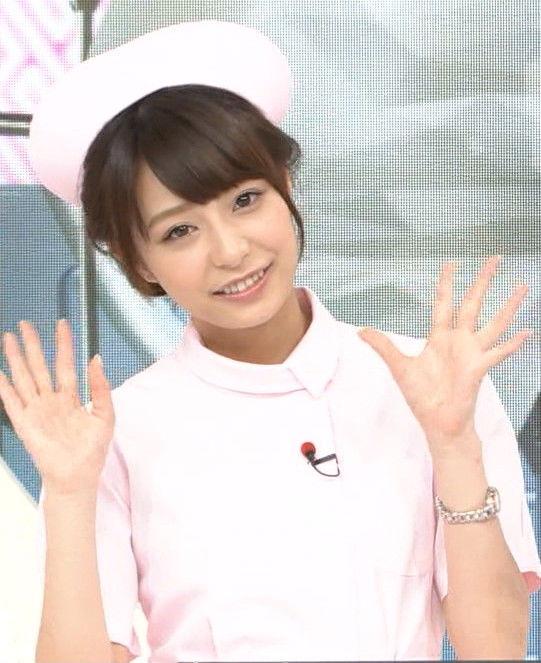 宇垣美里アナ(25)のヨガポーズとナースコスがエロい!デカ尻と突き出たおっぱいがたまらん!