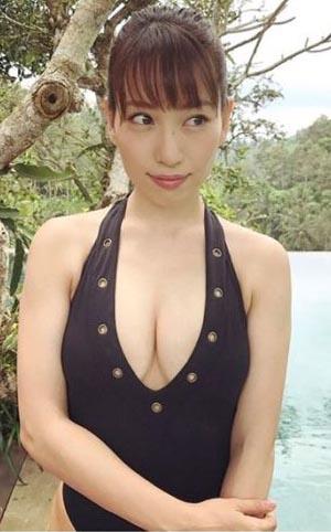 増田有華(26)自ら志願した水着姿を大胆披露ww【エロ画像】