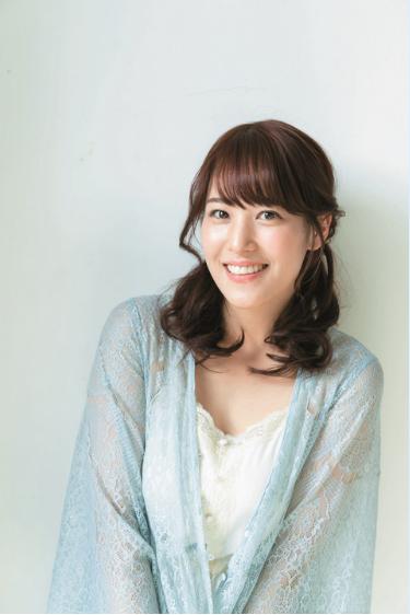 鷲見玲奈アナ(26)Fカップ美巨乳の初グラビアがけしからんwwww(えろ写真)