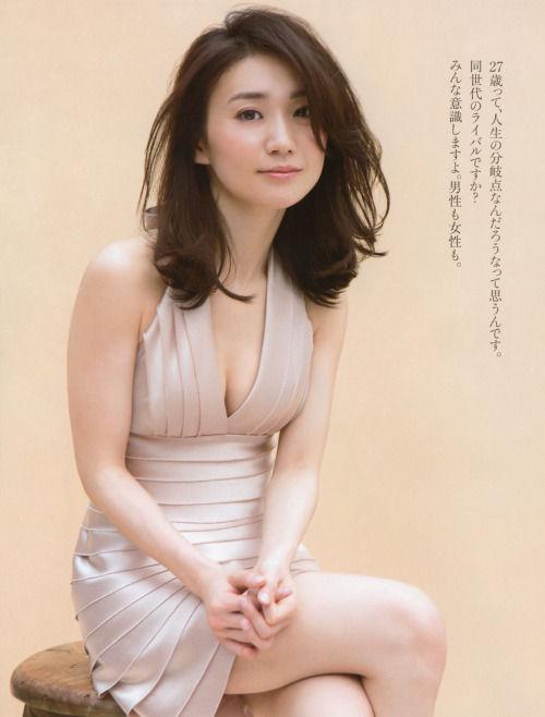 大島優子(27)のアラサーグラビアがエ□い!むちむちお○ぱいと太ももにフルボッキ