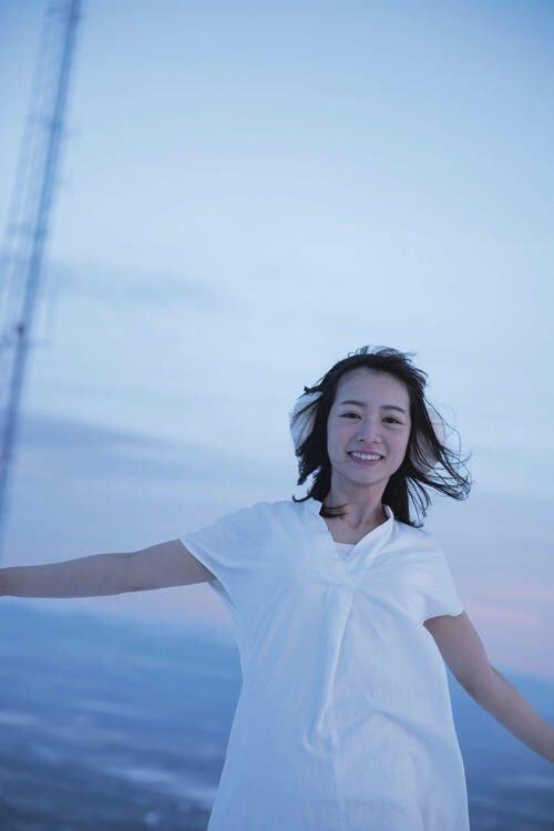 北野日奈子(22)の写真集がミズ着や下着もあるらしいwwww(えろ写真)