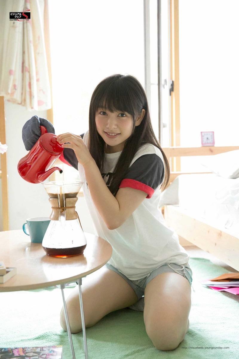 桜井日奈子(19)の太ももがむちむちでエロい!程よい筋肉がたまらん!