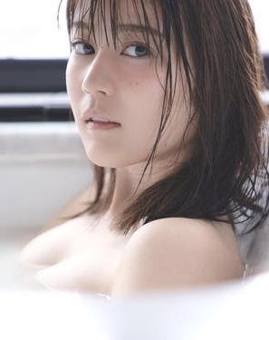 生田絵梨花(21)の入浴ショットの裸お乳がぐうシコwwww(えろ写真)
