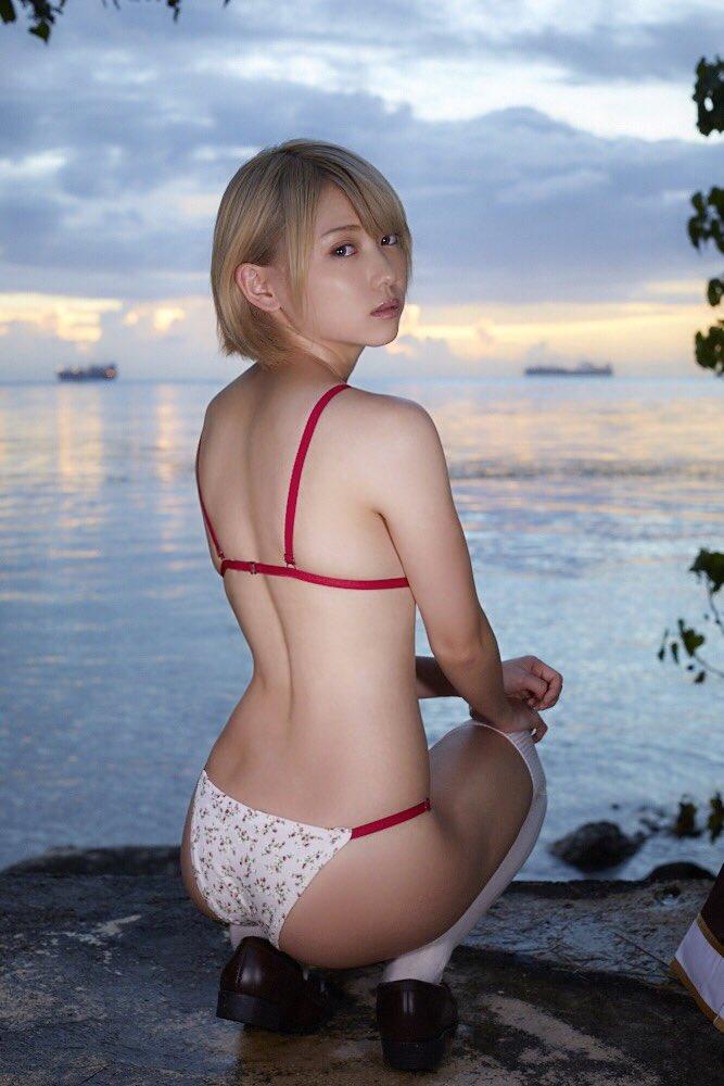 篠崎こころ(24)最上もが上位互換の金髪ショート娘がエロいww【エロ画像】