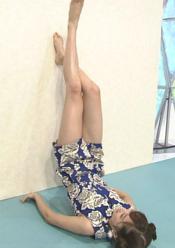 熊江琉唯(22)色っぽい衣装の美足がけしからんwwww(えろ写真)