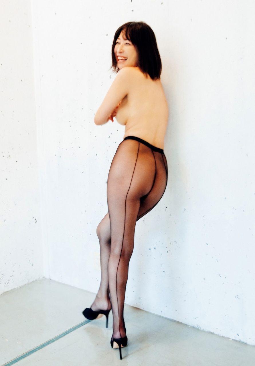 小野真弓(36)アコムのお姉さんの今更感ある乳首見えヌード写真集ww【エロ画像】