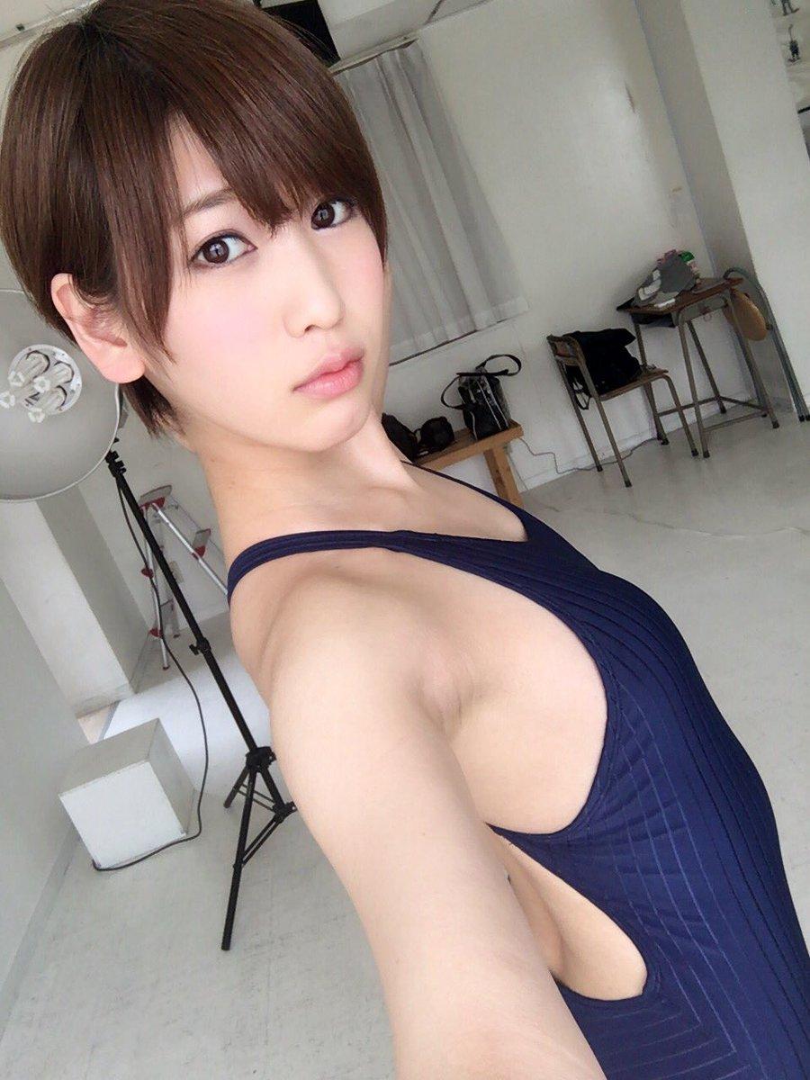 グラドル夏目花実(21)貧乳ショートカット好きにはたまらん逸材ww【エロ画像】