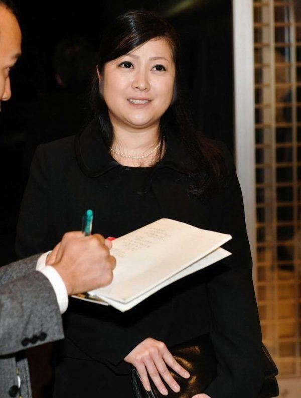 小向美奈子(31)藤原紀香に寄せてきたスライム乳さん。。【エロ画像】