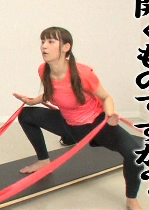 浅川梨奈(18)騎乗位の練習中みたいなエクササイズがぐうシコww【エロ画像】 表紙