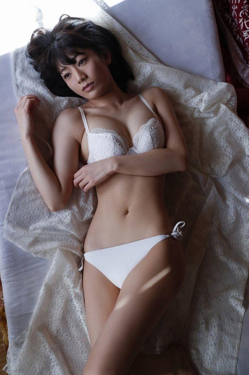佐藤美希(23)くびれがけしからんファッションモデル美女のグラビアが抜ける♪♪【エロ画像】
