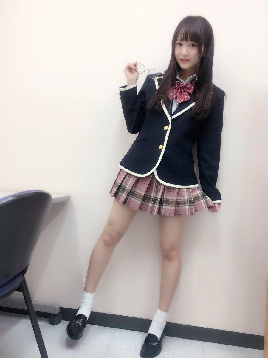 浜田翔子(31)年甲斐もなく抜ける制服コスで変態IVの宣伝ww【エロ画像】