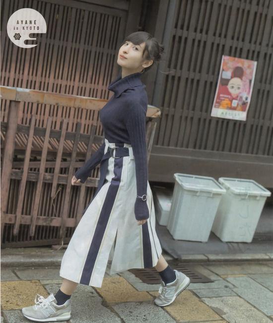 声優・佐倉綾音(24)のパンチラに着衣巨乳がぐうシコww【エロ画像】 表紙