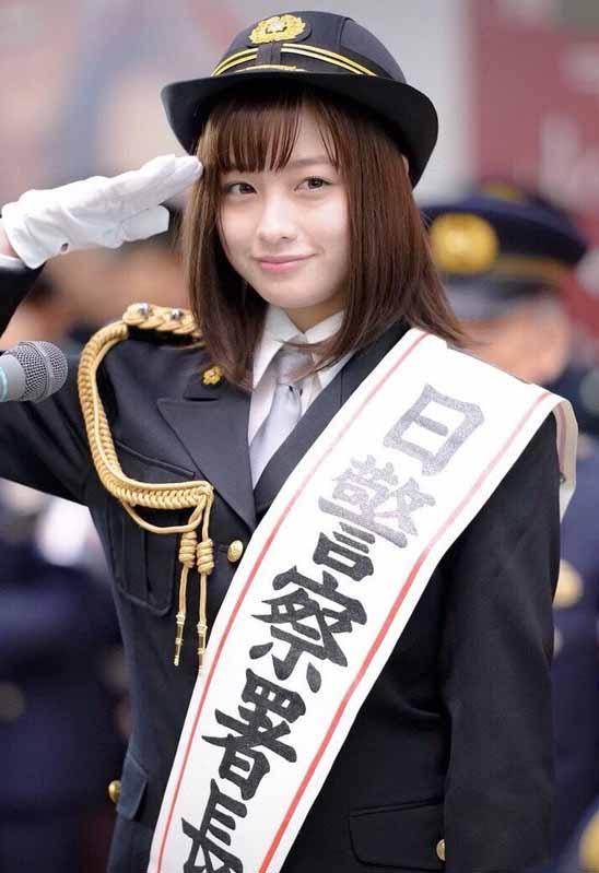 橋本環奈(18)一日署長の制服姿がぐうカワで逮捕されたい人続出ww【エロ画像】