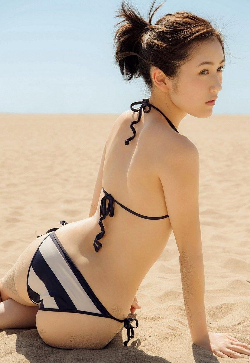 渡辺麻友(22)下着姿に半尻ショット★★まゆゆのプリ尻最強だな★★《エロ画像》