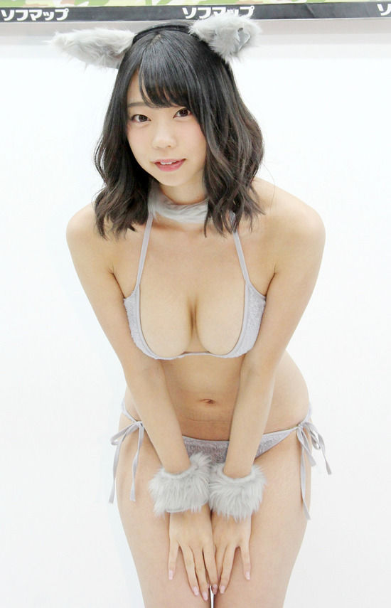 青山ひかる(24)のネコ耳にIカップおっぱいが抜けるww【エロ画像】