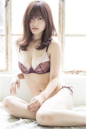 元モー娘。久住小春(25)が下着姿のオカズ写真集を発売