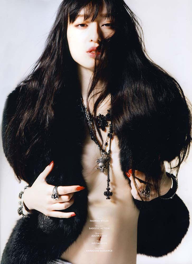 【エロ画像】栗山千明(31)整形しまくりみたいだがかなりえろいぬーど見せてくれてるしモデルだし何でもいいよなwwwwww(えろ画像)