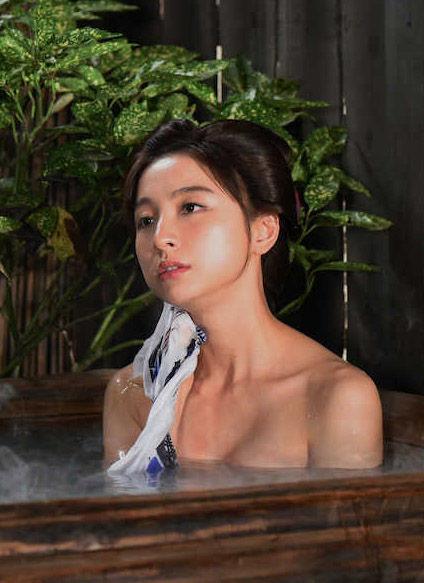 篠田麻里子(31)水戸黄門での入浴シーンがぐうシコwwww(えろ写真)
