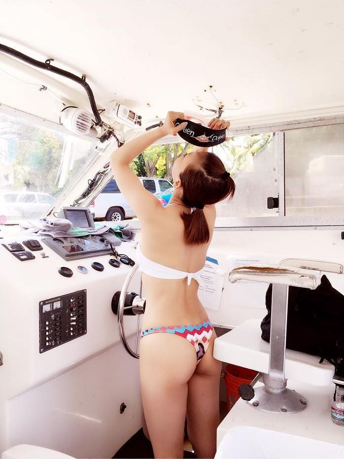 華原朋美(41)のプリ尻ビキニ写真がえろい☆尻にミズ着が食い込んでるwwwwww