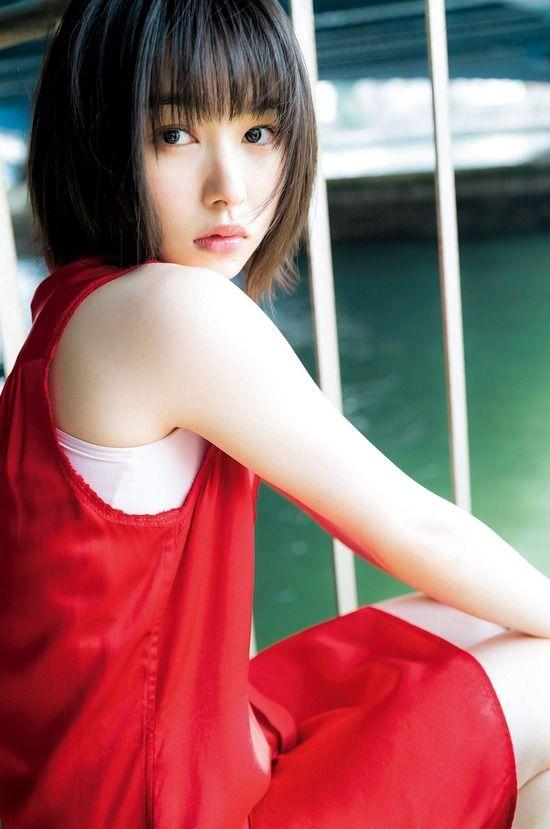 桜井日奈子(21)透明感が半端ないグラビアを披露ww【エ□画像】