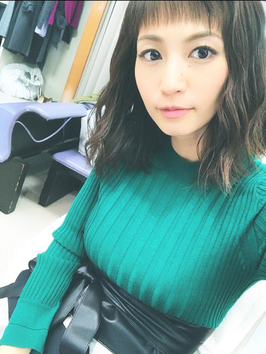 安田美沙子(35)着衣ニットが案外巨乳で抜けるww【エロ画像】
