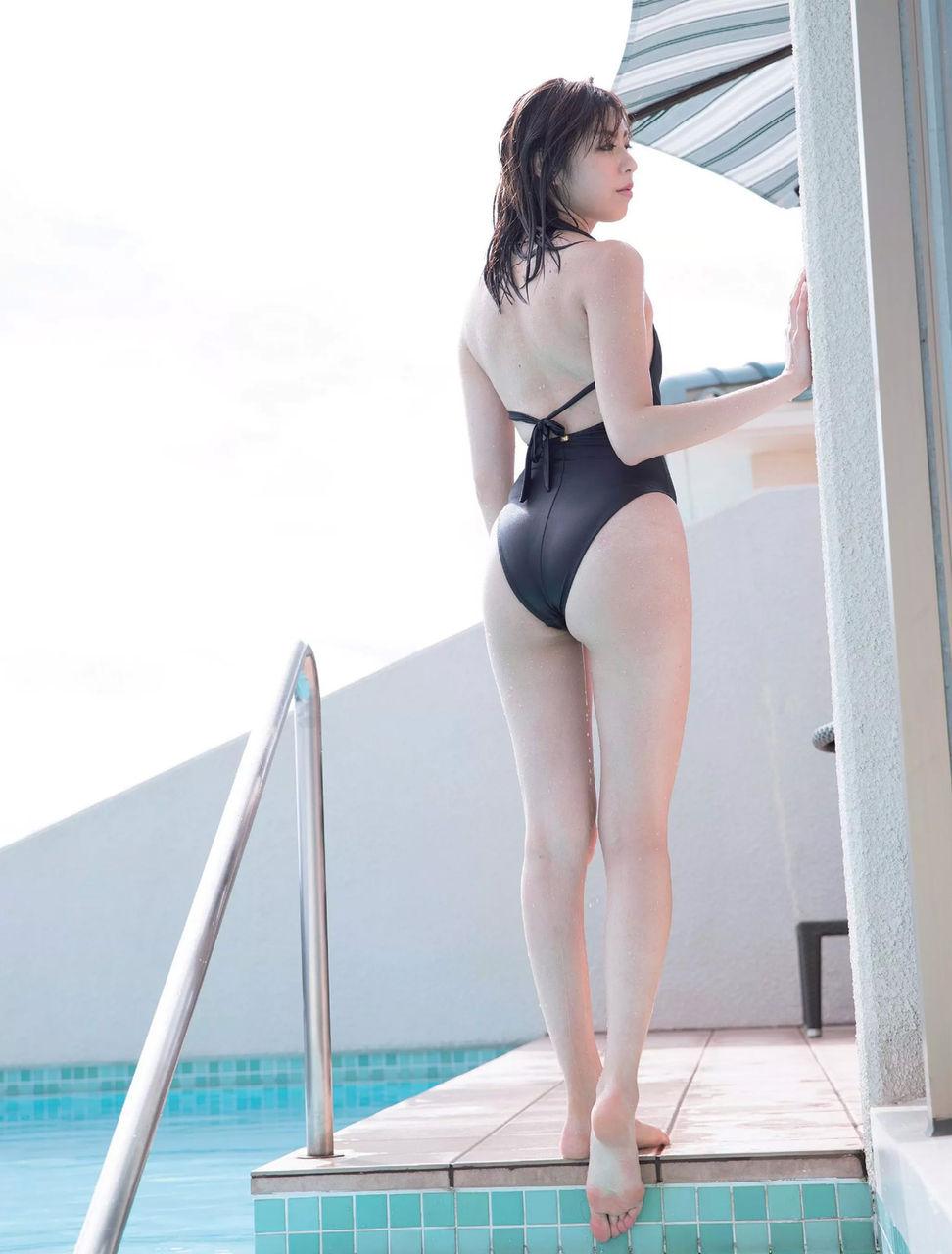 池田ゆり (24)ミスFLASH2017のスリム美女のセクシーな脚や美ヒップがクッソエろい!!!!《エロ画像》