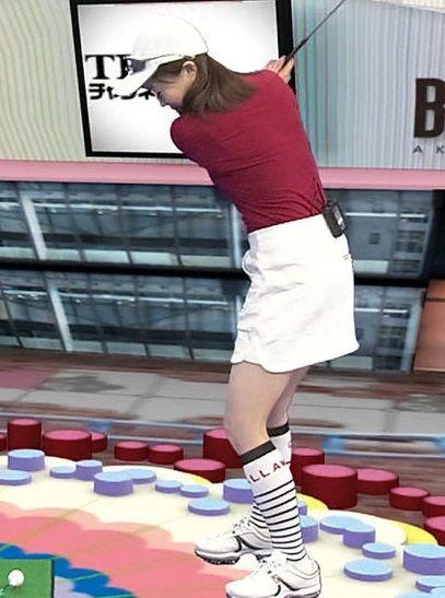 江藤愛アナのミニスカゴルフウェア姿がたまらんwww色白むっちり太ももがエロ過ぎる【エロ画像】