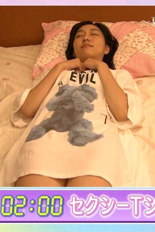 須田亜香里(25)ブスだがノーパン疑惑のパジャマ姿が意外とヌけるwwww(えろ写真)