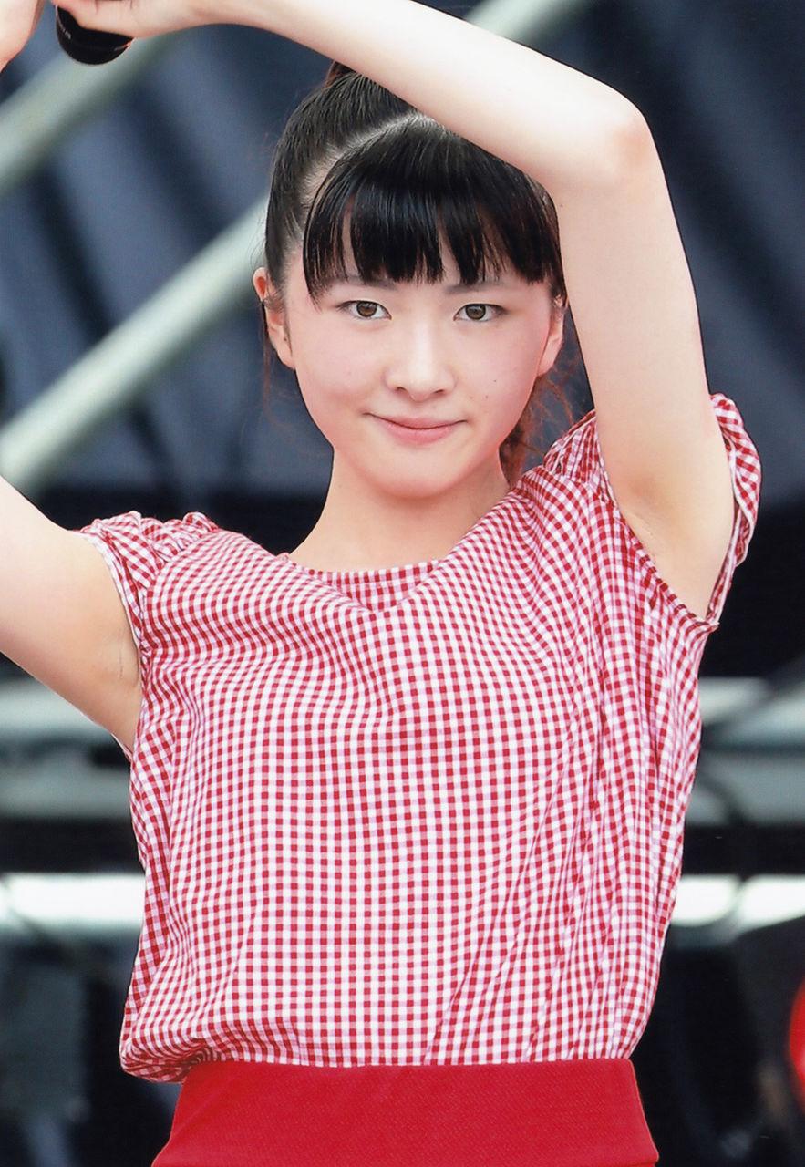 つばきファクトリー小片リサ(19)の脇チラがフェチにはたまらない☆☆【エロ画像】
