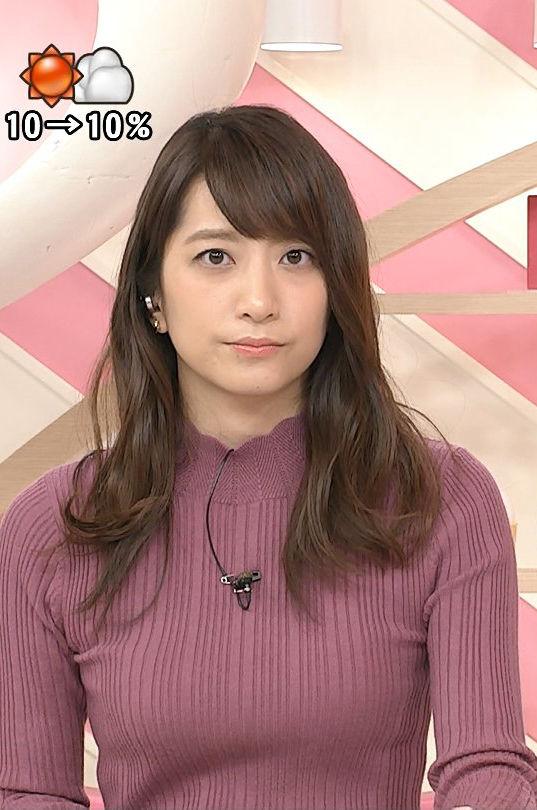 笹崎里菜アナ(25)元ホステスアナの着衣ニットの巨乳がエろい。。【エロ画像】