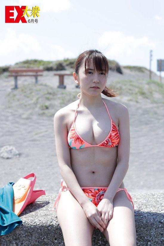 SKE48大場美奈(26)の乳首見えそうな水着姿がぐうシコ