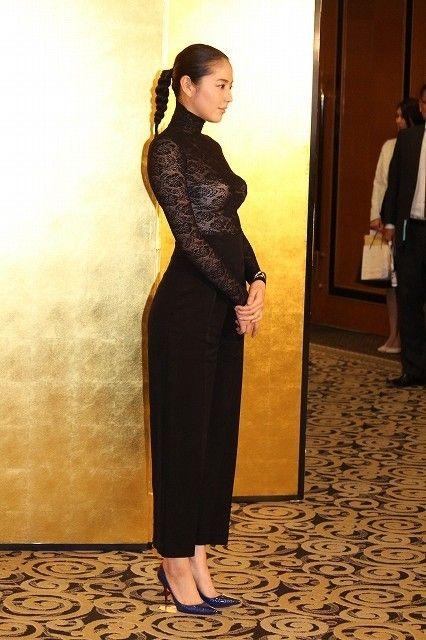 長澤まさみ(28)の透けドレスがエロい!おっぱいの形まるわかり!【エロ画像】