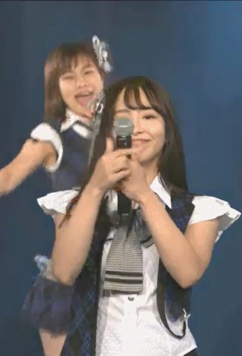 SKE48松村香織(28)がマイク握ってテコキフェラチオwwww(えろ写真)