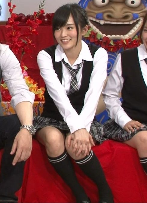 NMB48山本彩(20)のパンツ見えそう太ももけしからん【エロ画像】