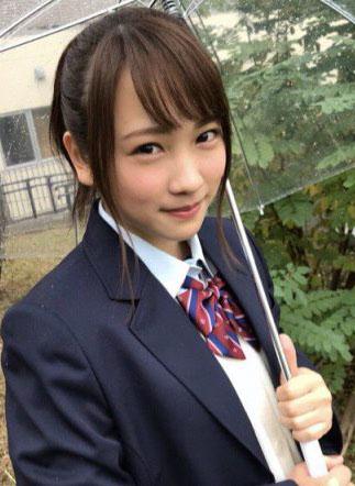 川栄李奈(22)SNSにうpしたJK姿が現役みたいでエロいww【エロ画像】