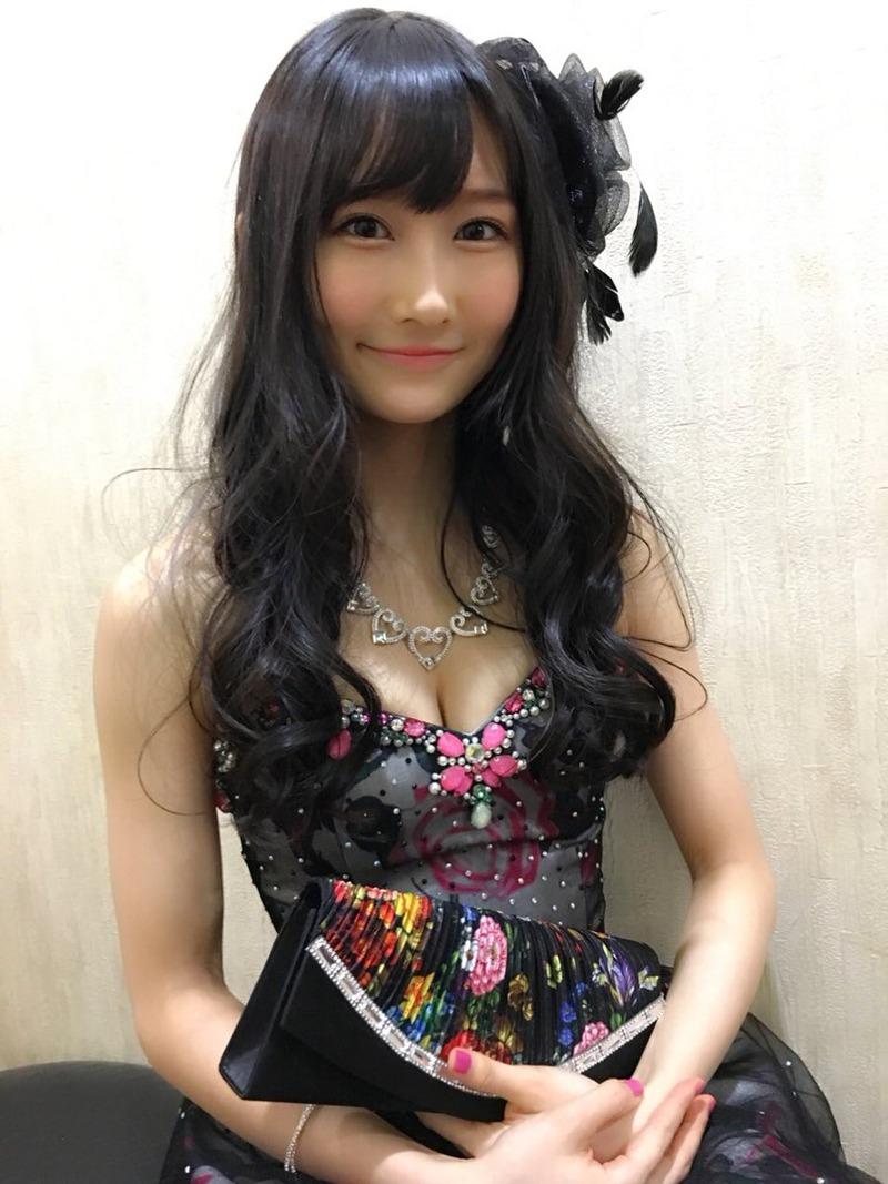 NMB48矢倉楓子(25)キャバすか学園でクッソエロいキャバ嬢ドレスの胸チラがけしからんふうちゃんのエロ画像