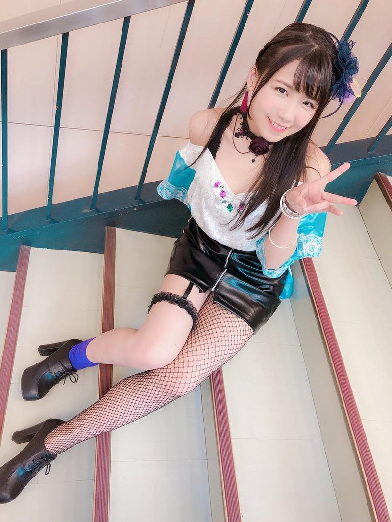 A応P広瀬ゆうき(25)のミニスカ網タイツ姿が抜けるww【エロ画像】