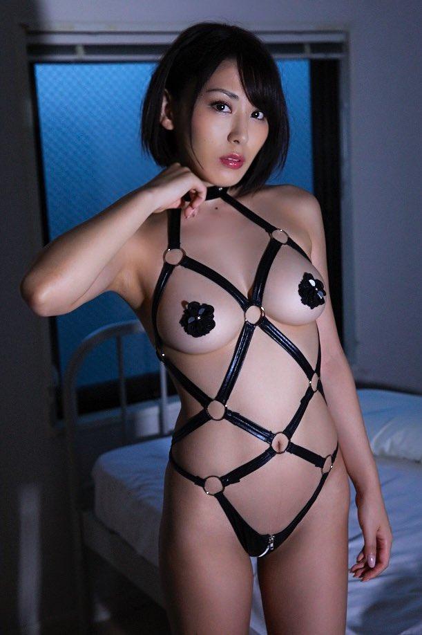 金子智美(29)の最新の過激イメージDVDがエロいww【エロ画像】