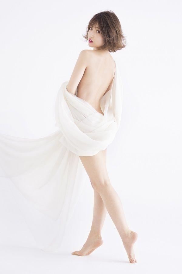 くみっきー(26)のセミ全裸や胸チラおぱーいがぐうシコ♪♪【エロ画像】