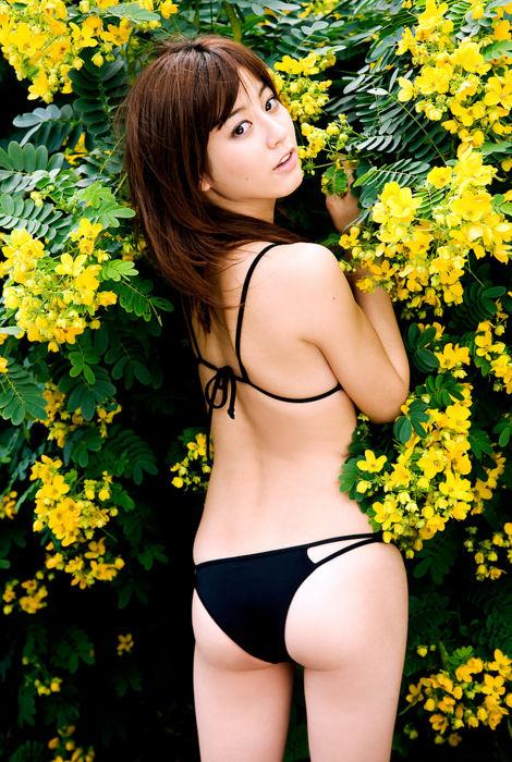 高梨臨(28)美女な女優さんのスイムスーツ姿のプリヒップがぐうシコ!!!!【エロ画像】