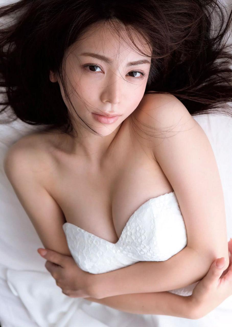 [お宝NAVI] 仲村美海(22)Eカップの元ニコ生主★急遽現れた新人グラドル!!【エロ画像】