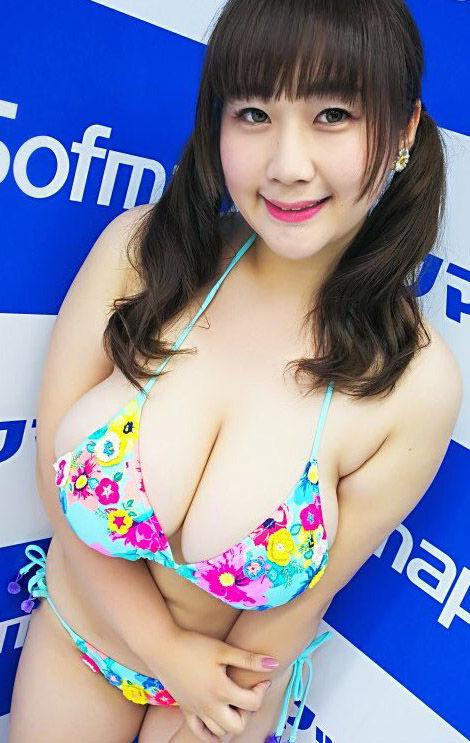 来栖あこ(25)110㎝のKカップの爆乳グラドルがおっぱい星人にはたまらないww【エロ画像】 表紙
