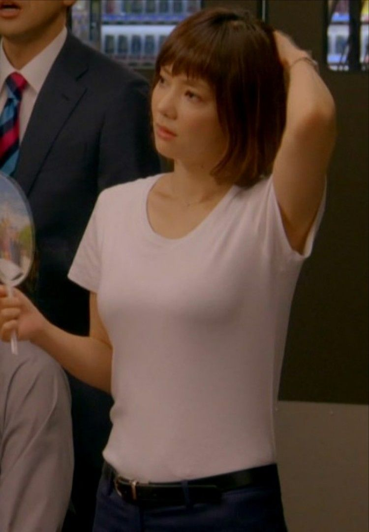 倉科カナ(29)着衣爆乳が色っぽいでなかなかえろい♪♪【エロ画像】