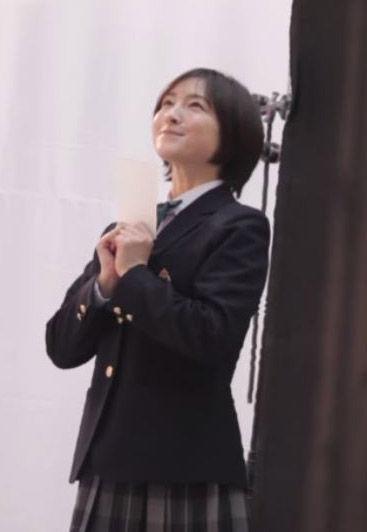 広末涼子(37)制服姿が熟女イメクラっぽくて生々しいww【エロ画像】 表紙