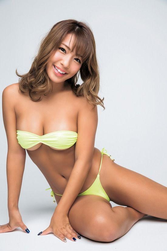 橋本梨菜(24)日本一黒いグラドルの最新グラビアがぐうシコww【エロ画像】 表紙