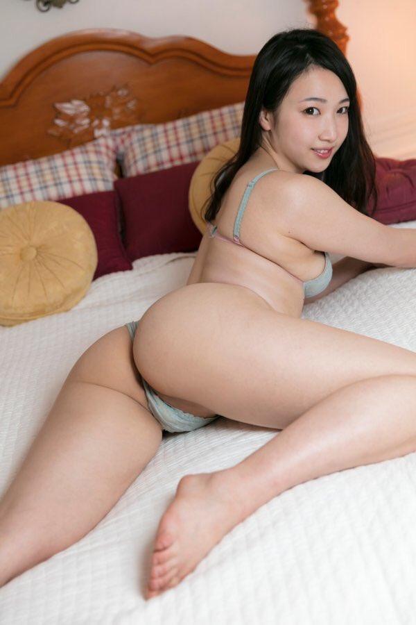 綾瀬加恋(20)のFカップにムッチリデカ尻がぐうシコww【エロ画像】 表紙