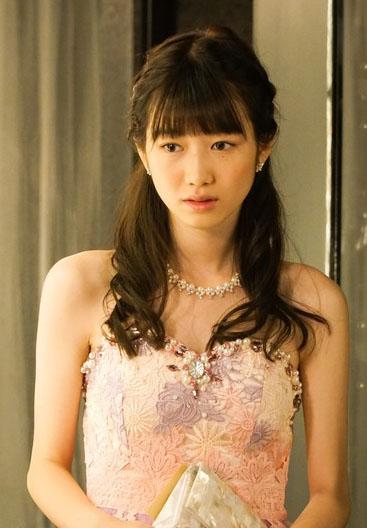 岡本夏美(19)ハケンのキャバ嬢で見せるドレス姿が抜けるww【エロ画像】 表紙