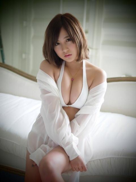 小野恵令奈(23)元AKBのミズ着姿がめちゃくちゃセックスwwww(えろ写真)